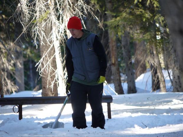 seth-shoveling-at-the-spot-5