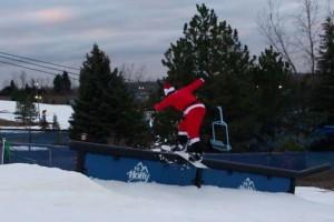 圣诞老人单板滑雪