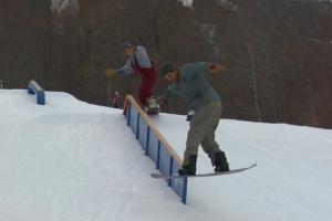 Sugarbush Parks – 情侣滑手 Gabe Mekker 和 Kaleah Opal Driscoll